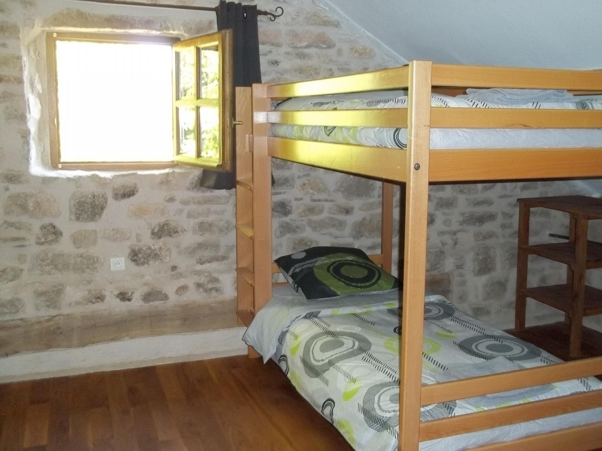 g te la grange de courry. Black Bedroom Furniture Sets. Home Design Ideas